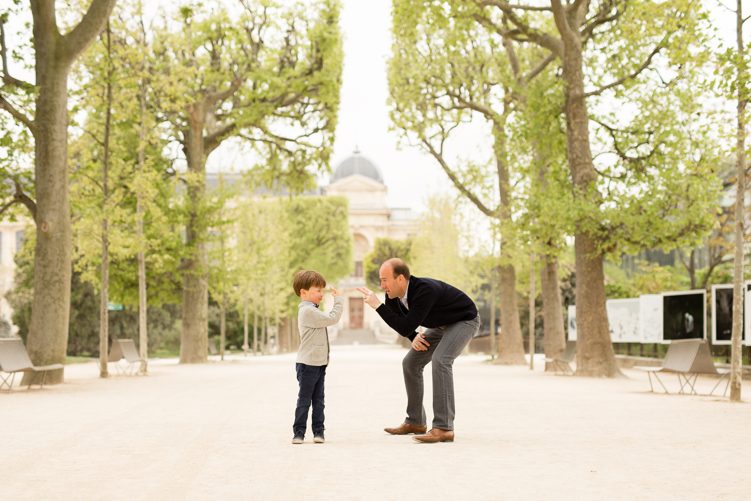 where-to-find-cherry-blossoms-in-paris-family-photographer_005.jpg