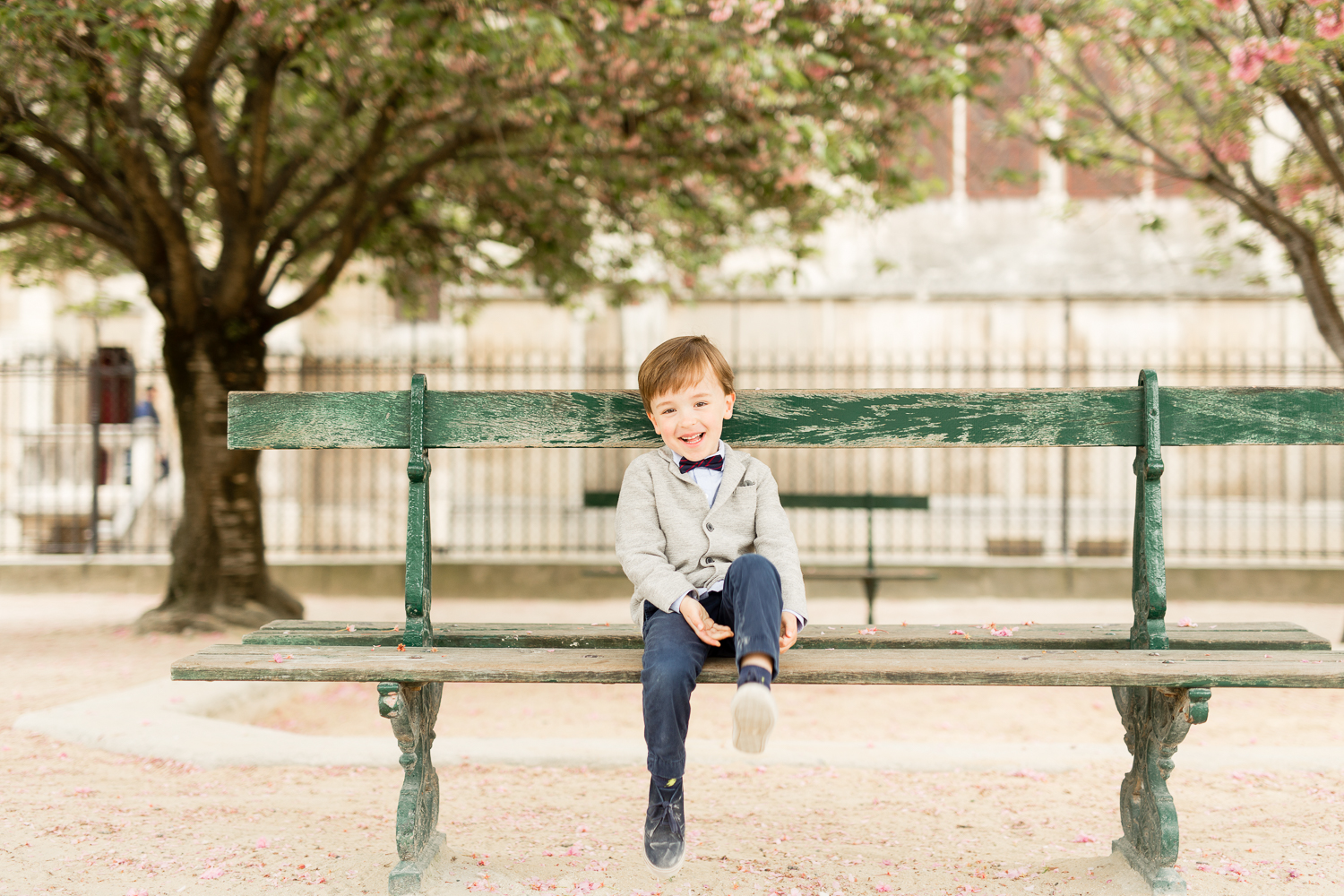 where-to-find-cherry-blossoms-in-paris-family-photographer_012.jpg