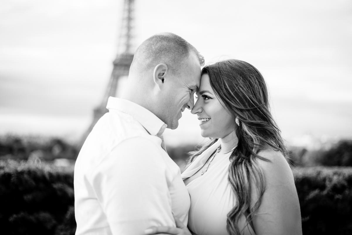 Romantic-Parisian-Photo-Session-Eiffel-Tower-Photographers,-Katie-Donnelly-Photography_002.jpg