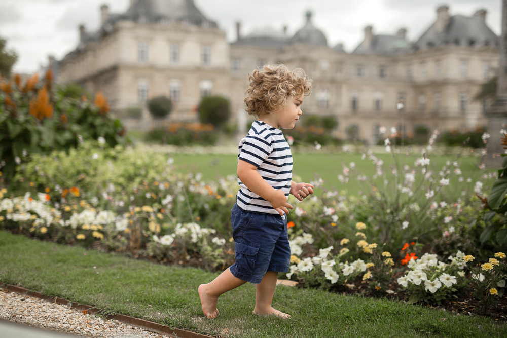 what-to-do-with-kids-in-paris-photo-session-mother-son-jardin-du-luxembourg_005.jpg