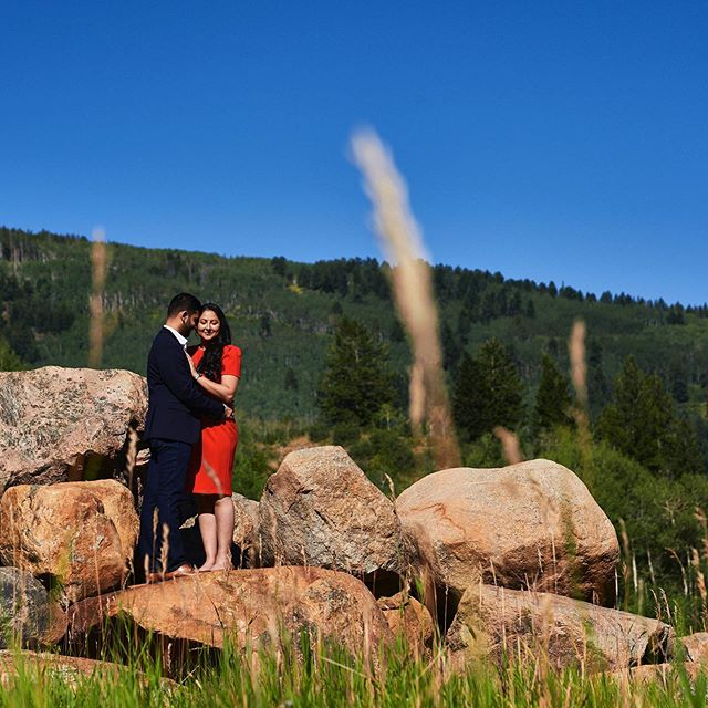 Arpit and Sukhneeraj live apart from each other while Sukhneeraj is in school and the time they get to spend together is so valuable. They wanted to celebrate their relationship with a Forever Session while they were on vacation in Beaver Creek.