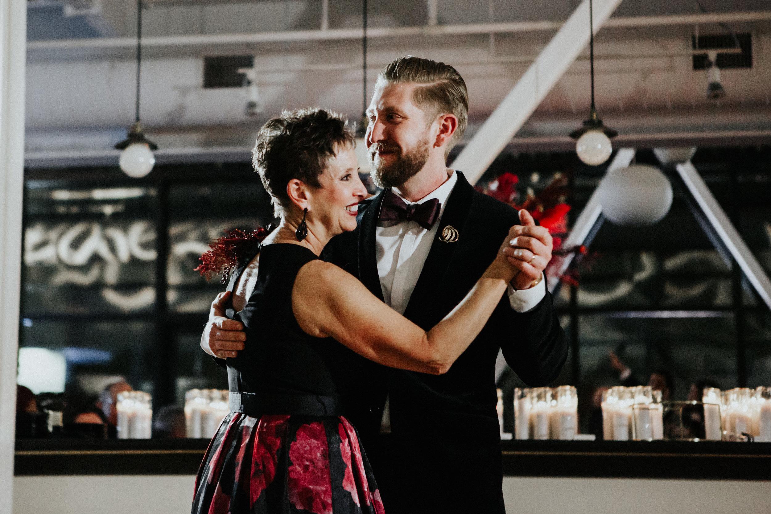 wedding photographers in chicago illinois greenhouse loft