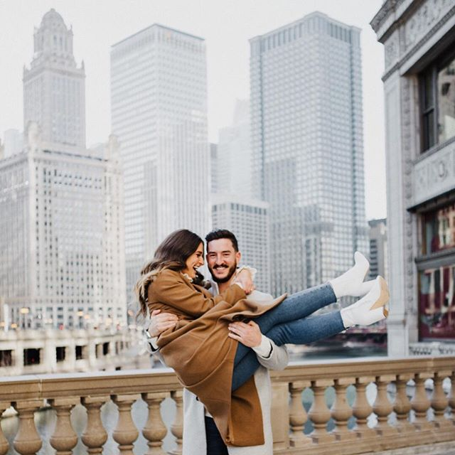 Chicago is for lovers // tbt to this Xmas eve sesh with cuties @shanniechristie + @brettlilek 😍