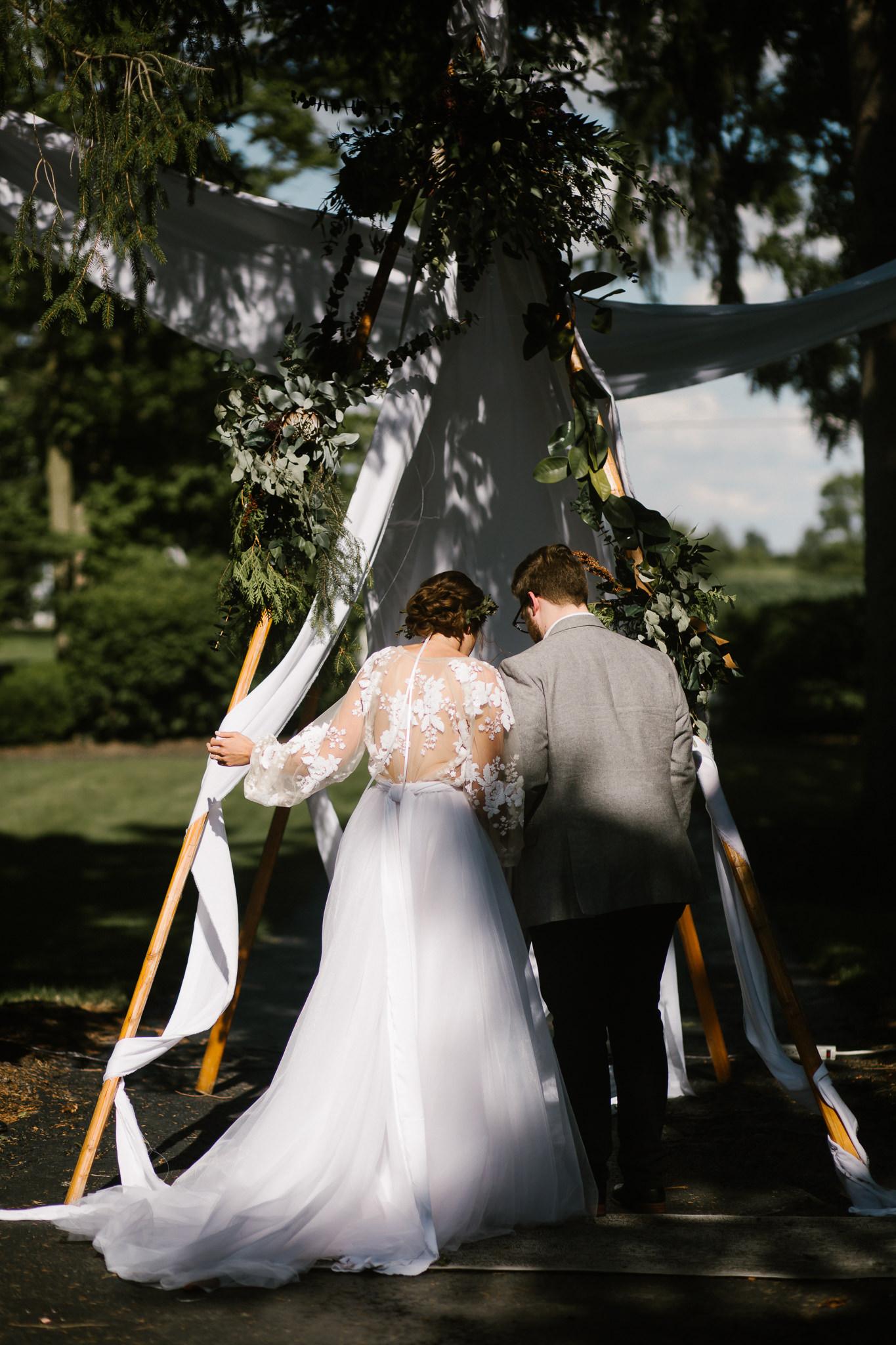 eastlyn and joshua findlay ohio wedding photographers bohemian outdoor wedding-117.jpg
