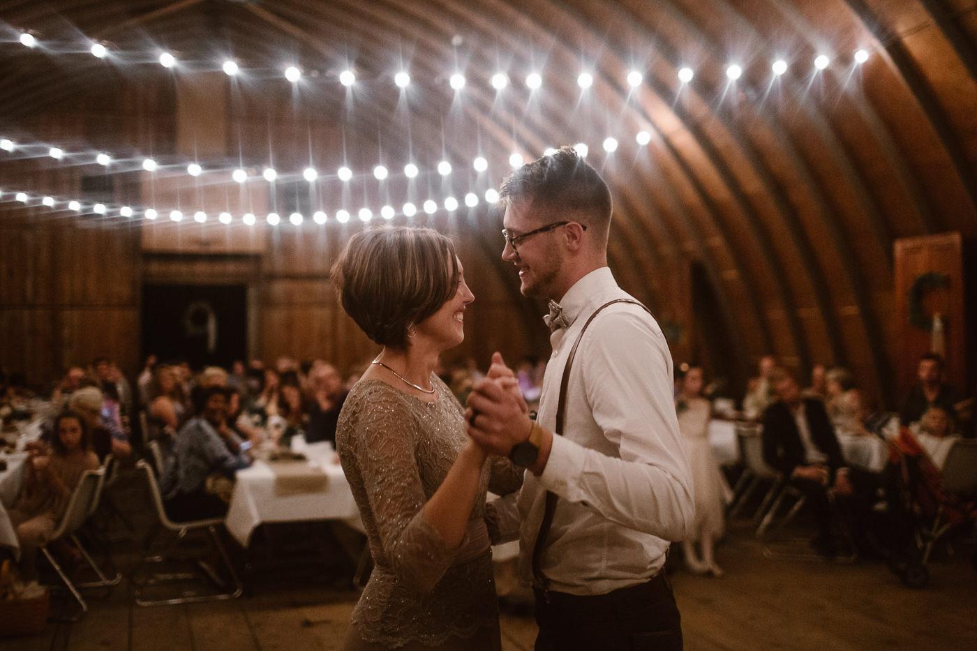 eastlyn and joshua dayton ohio wedding photographers vintage autumn wedding-401.jpg