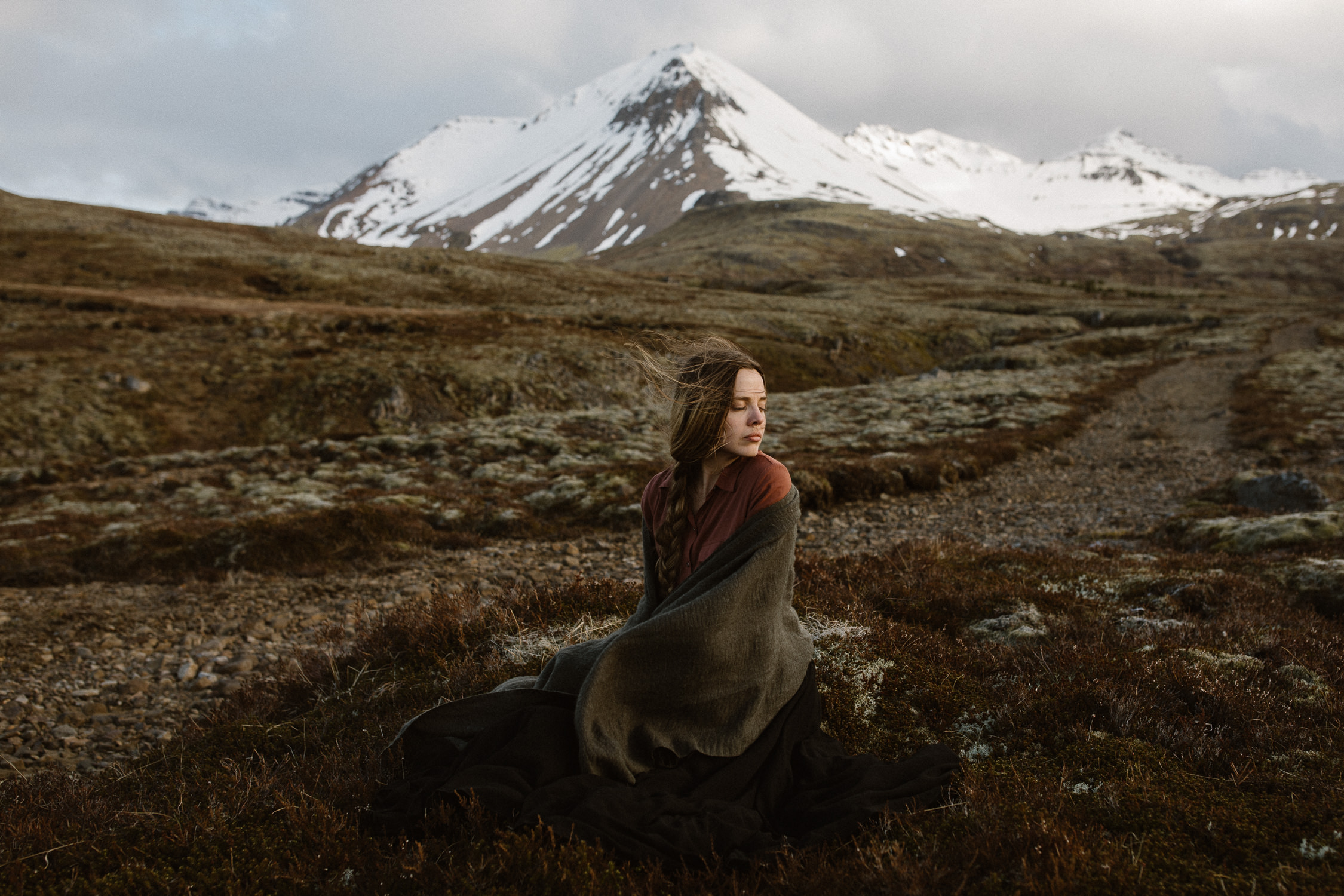 fairytale portraits in iceland-38.jpg