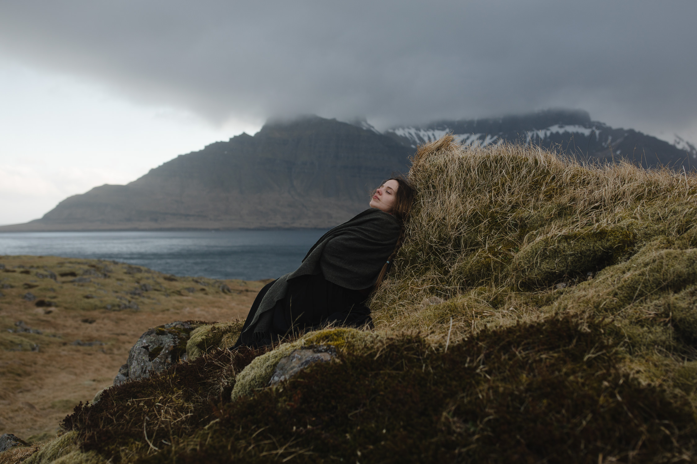 fairytale portraits in iceland-51.jpg