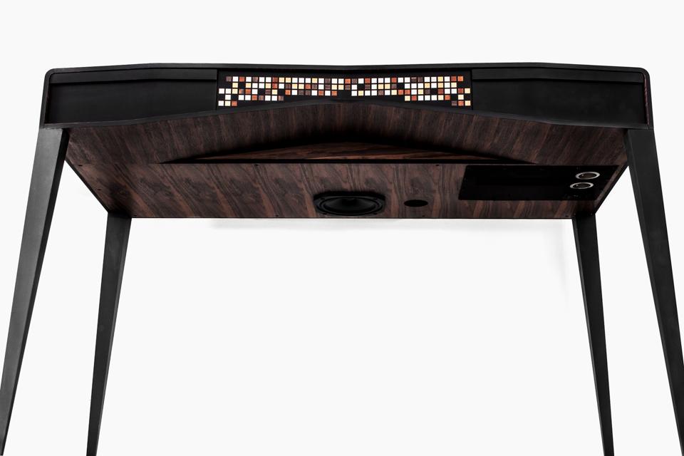 iotal element x S/T echo hifi art desk by matteo carcelli | SOME/THINGS S/TUDIO  full digital amplification
