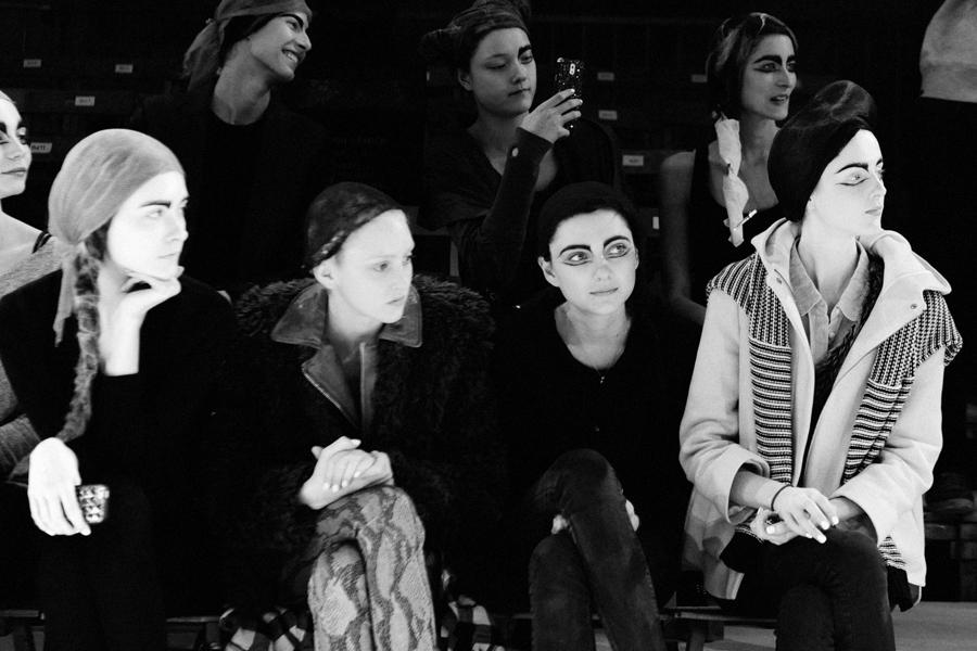 yohji yamamoto women's fall/winter 2014-15 backstageby elise toide   S/TUDIO