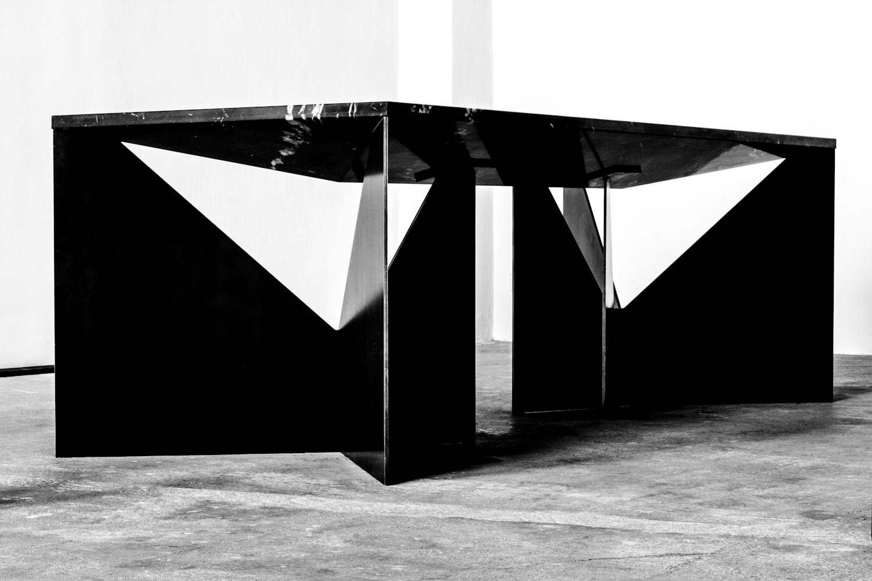 kundag table by pournoir photography by dario ruggiero  |  S/TUDIO