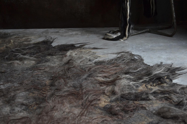 carpet by 'studio claudy jongstra' at biek verstappen's atelier photography by pamela van rijswijk | S/TUDIO