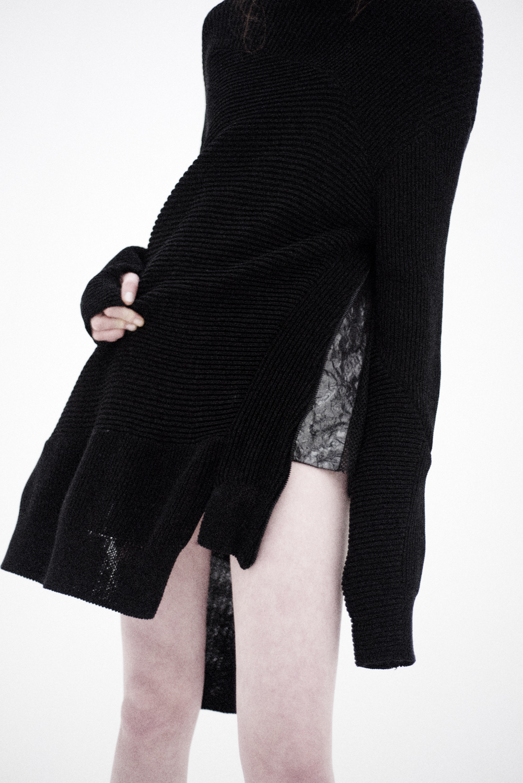 sweater Byungmun Seo, top TVSCIA