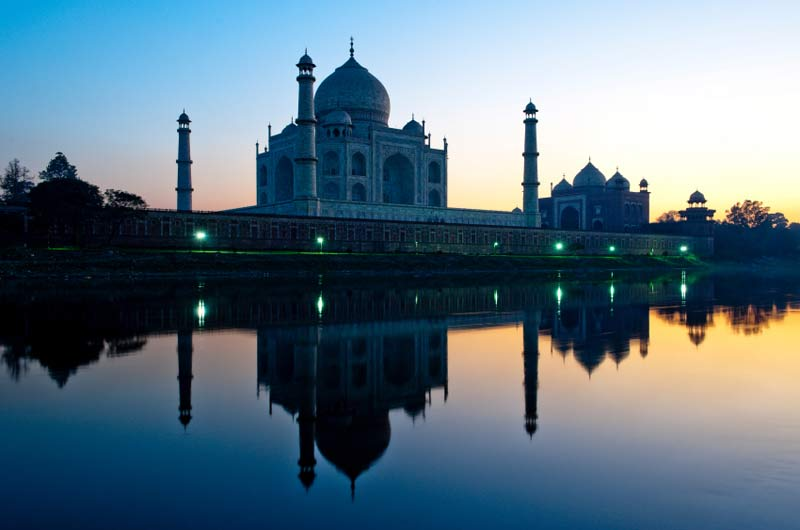 India_travel_adapters_taj_mahal_over_water.jpg