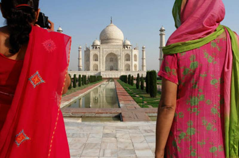 india_travel_adapters_homepage_two_women_taj_mahal.jpg