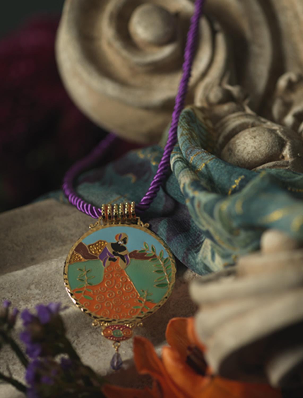 jewelry coverI-95625 011.jpg