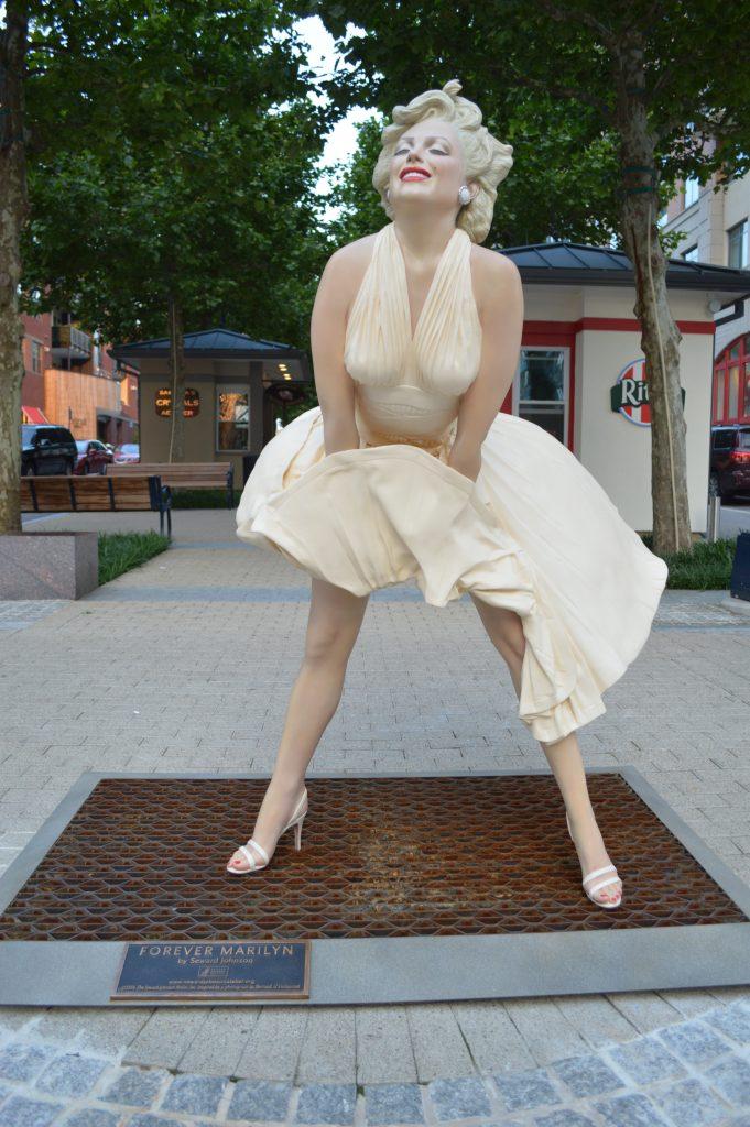 Forever Marilyn.jpg
