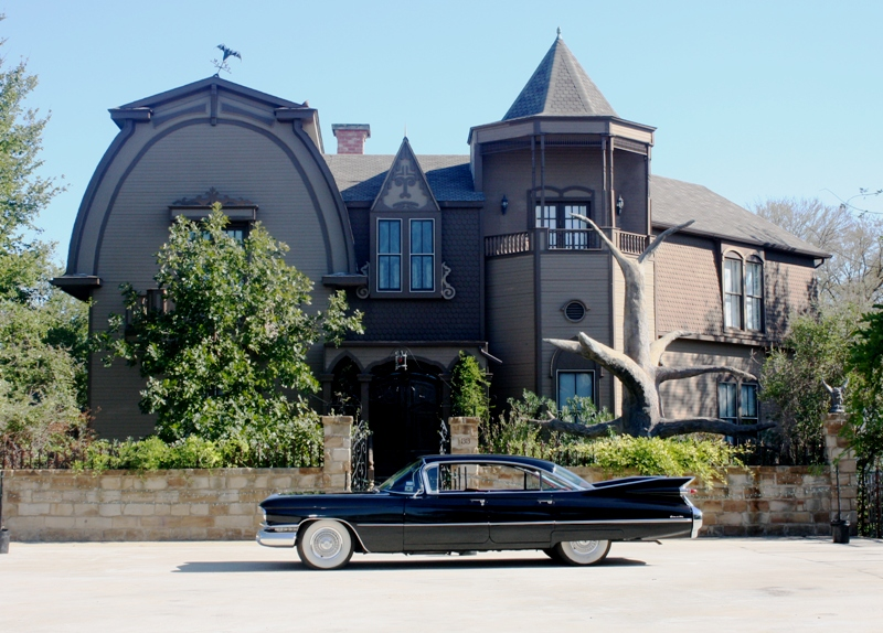The Waxahachie Munster Mansion (photo from mikeyawn.wordpress.com)