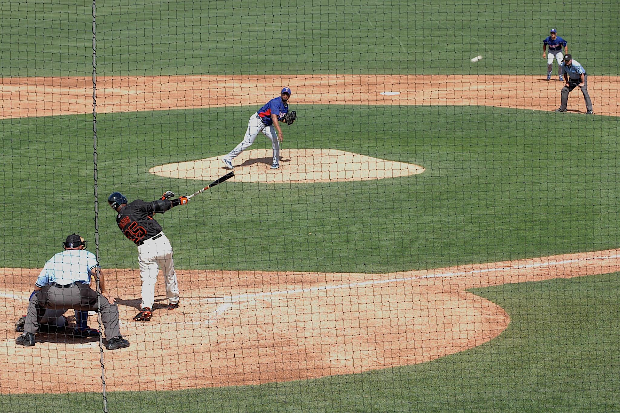 Barry Bonds Home Run, Spring Training,Scottsdale, AZ 2006