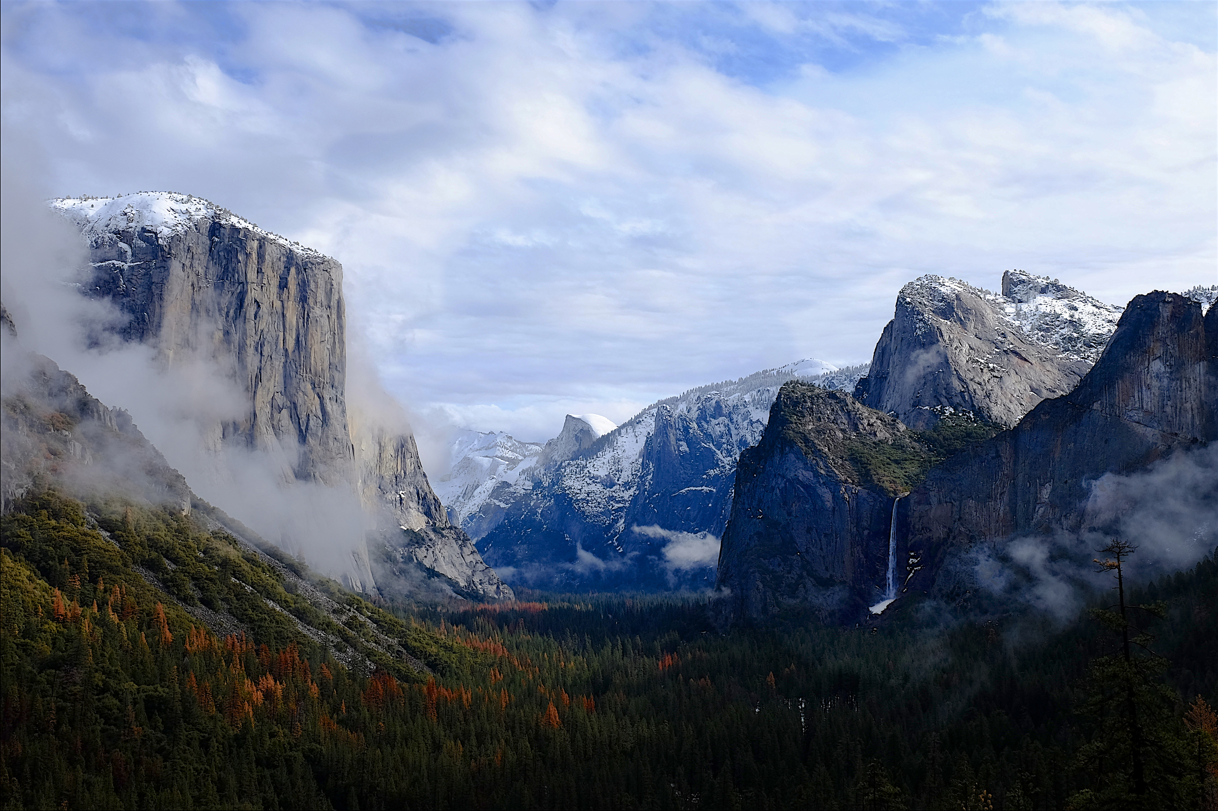 Fuji XT1, 18-55 f2.8-4.  Clearing clouds, Yosemite Valley from the tunnel view rest stop.