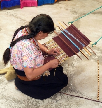 Weaving: San Juan Chamula, credit: Rob Young