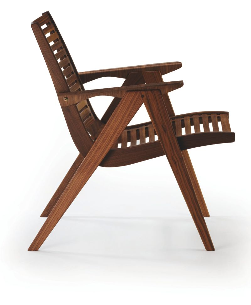 The 'Rex 120' chair was Kralj's first major success. The armchair is reasonably light and can be stacked.
