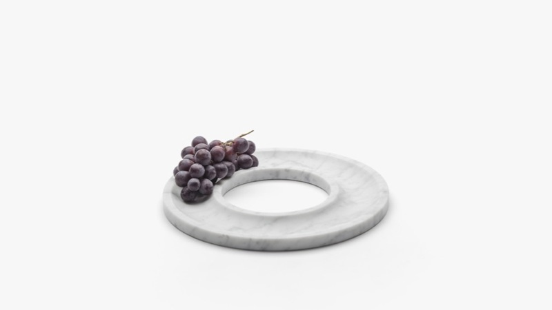 The perfect minimalist fruit platter from the 'Marblelous Collection' by Barcelona based Aparentment.