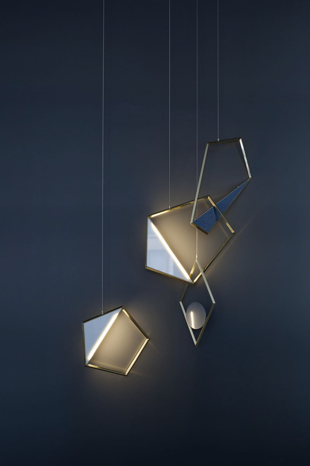The 'Tangle' light by  COORDINATION  shown in Brera at  Berlin Design Selection.