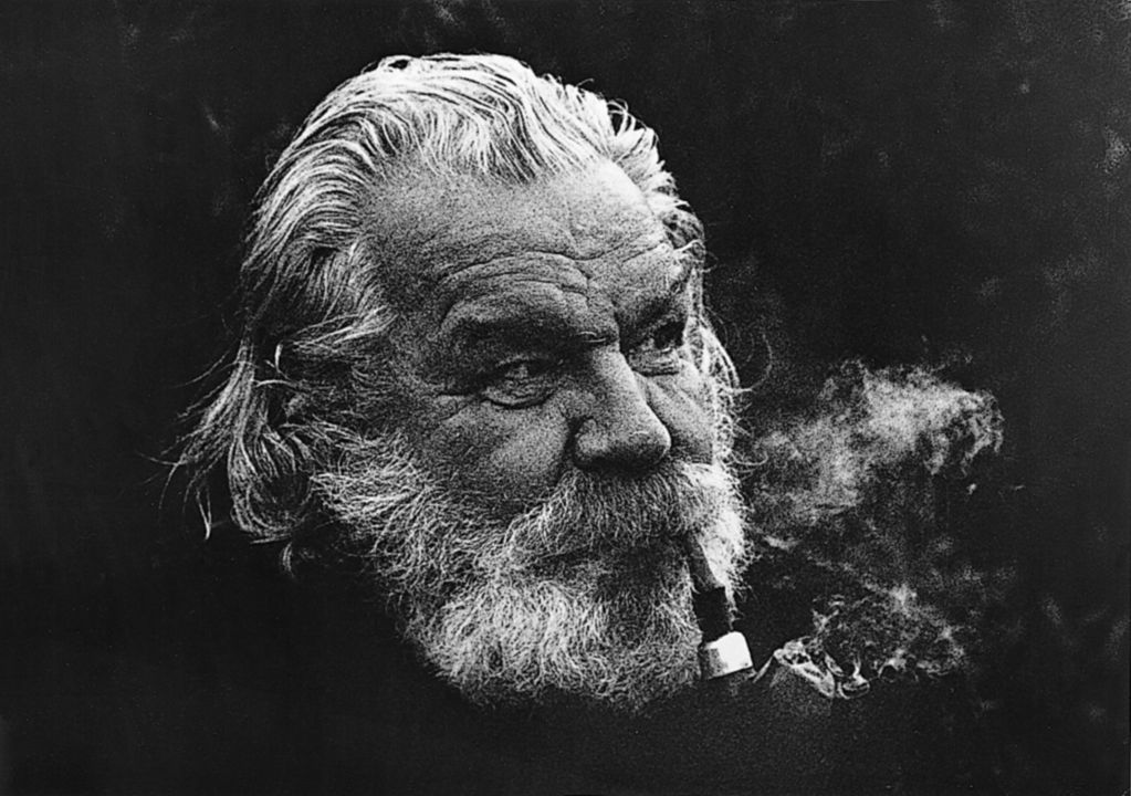 Tapio Wirkkala in his later years. Like many designers of the era, he was rarely seen without a pipe. Photo courtesy of the TWRB Foundation.