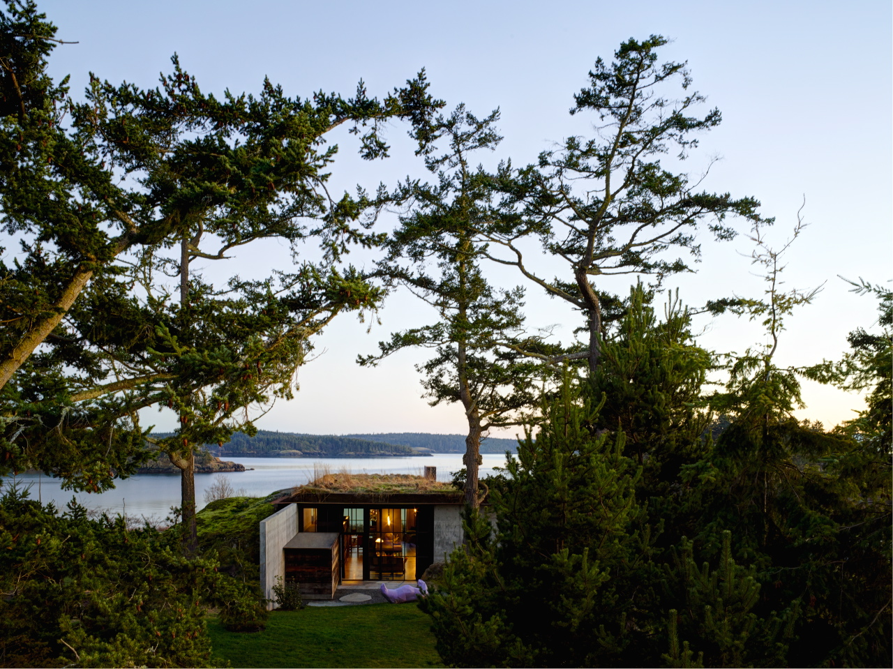'The Pierre' by Olsen Kundig Architects situated on the San Juan Islands - Washington State. Shot for  Superhouse  by Karen McCartney published by Penguin Lantern.