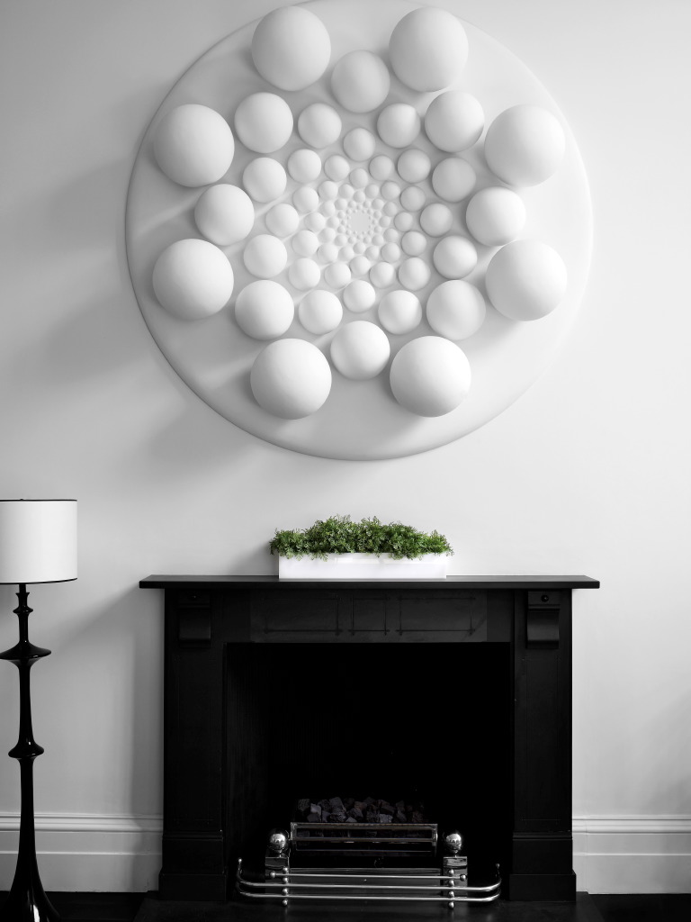 A Bhakti Baxter artwork takes the impact of white to another level in this Carole Katleman and Daniel Cuevas designed interior.