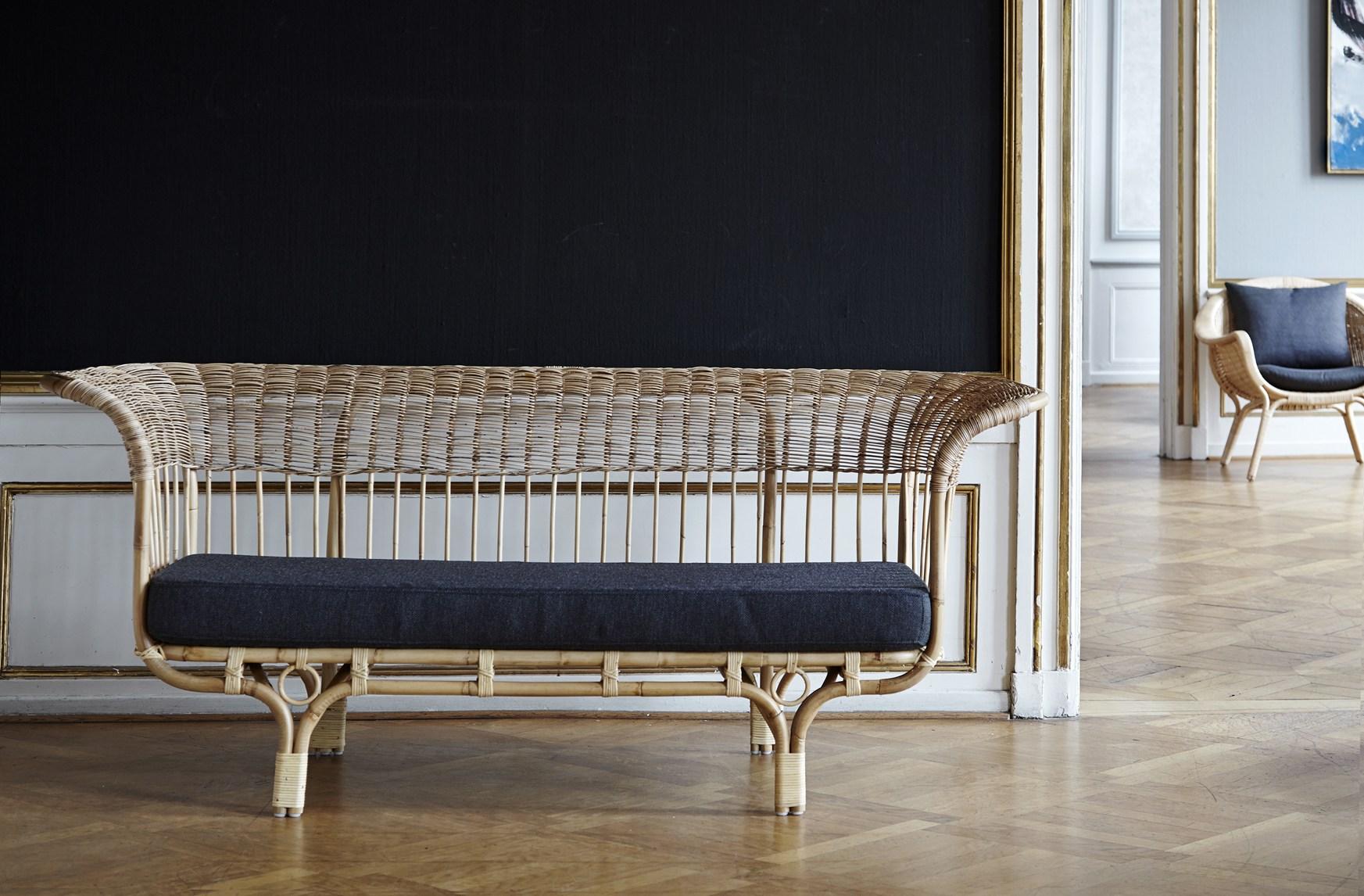 Franco Albini's 1951 'Belladonna' sofa - reissued by Sika Design.