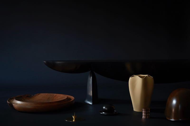 Hozan Zangana's 'Shaping from intuition' collection featuring the amazing 'Huna' bench. Craftsman: Rutger Graas Photo: Kasia Gatkowska