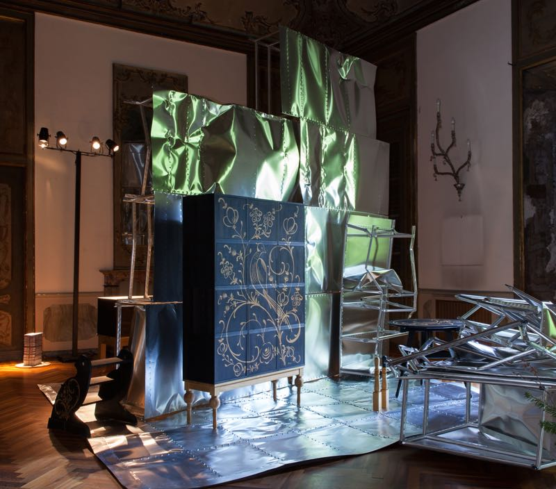 Celebrating 10 years, design gallerist Thomas Eyck displayed his successful 'Oak Inside' series designed in 2011 by Christien Meindertsma within a new context by Wouter Paijmans made from lightweight aluminium.