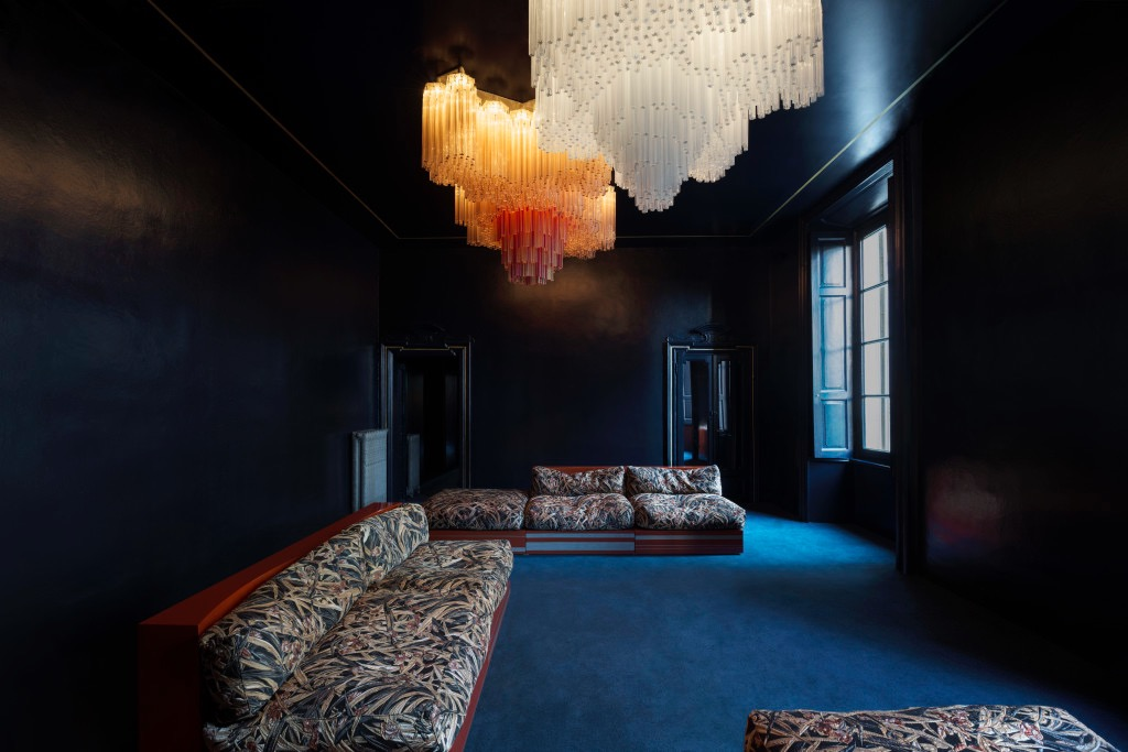 The darlings of the MIlan design scene Dimore Studio chose to stay away form their usual colour-fest opting instead for a sombre mix of black walls and nature inspired fabrics. The only other feature - the massive chandeliers - were extraordinary.