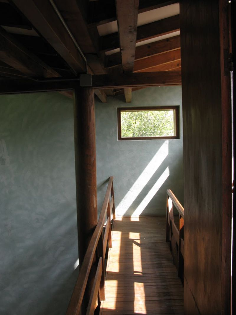 The mezzanine of House B by Pietro Lingeri, Comacina Island.