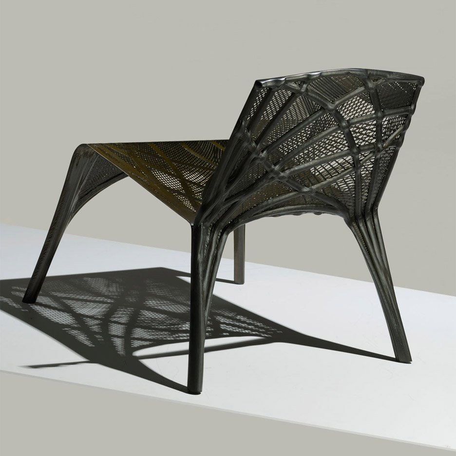 Marleen Captain's 'Fibre Placement Chair'for Dutch brand  LABEL/BREED . Designed in 2015 the chair uses companies that produce carbon fibre parts for the aerospace industry.