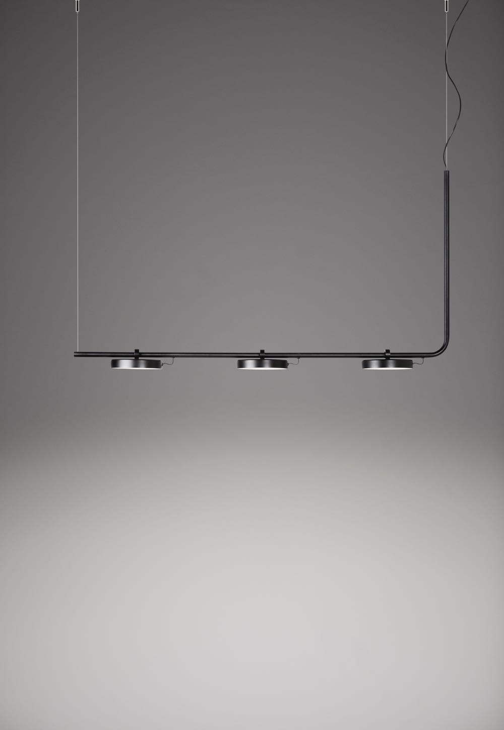 The 'Aro' 3541 pendant from Estiluz.