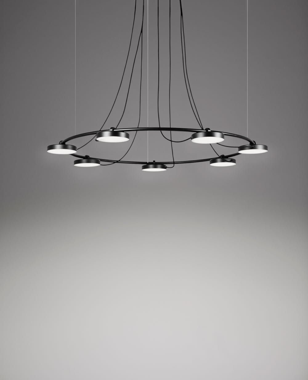The 'Aro' 3543 pendant from Estiluz.