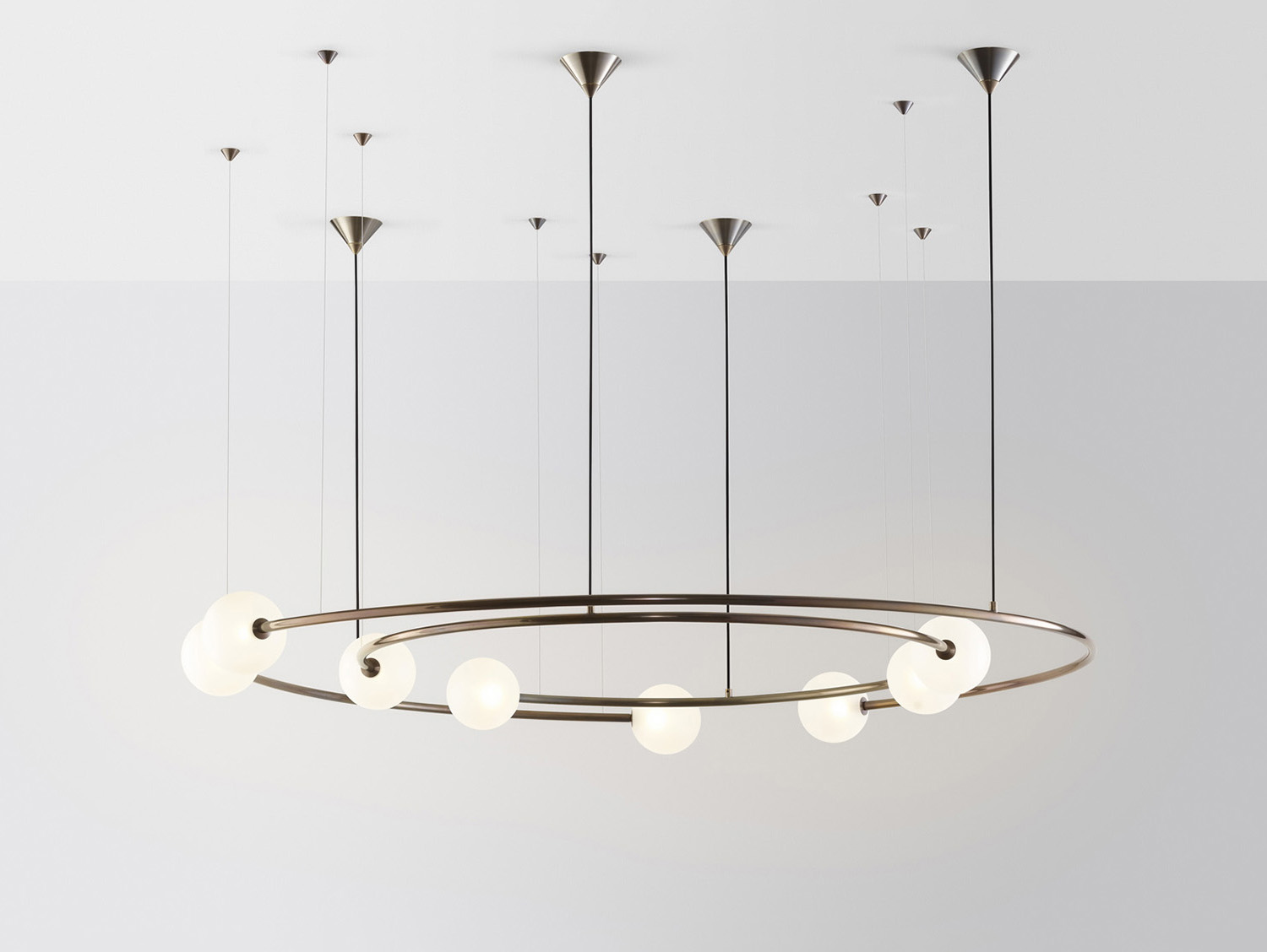 Volker Haug's 'Oddments' chandelier in glass and brass created a stir - as did his excellent bijoux stand that took out the DENFAIR Best Small Stand Award - for the second year in a row.