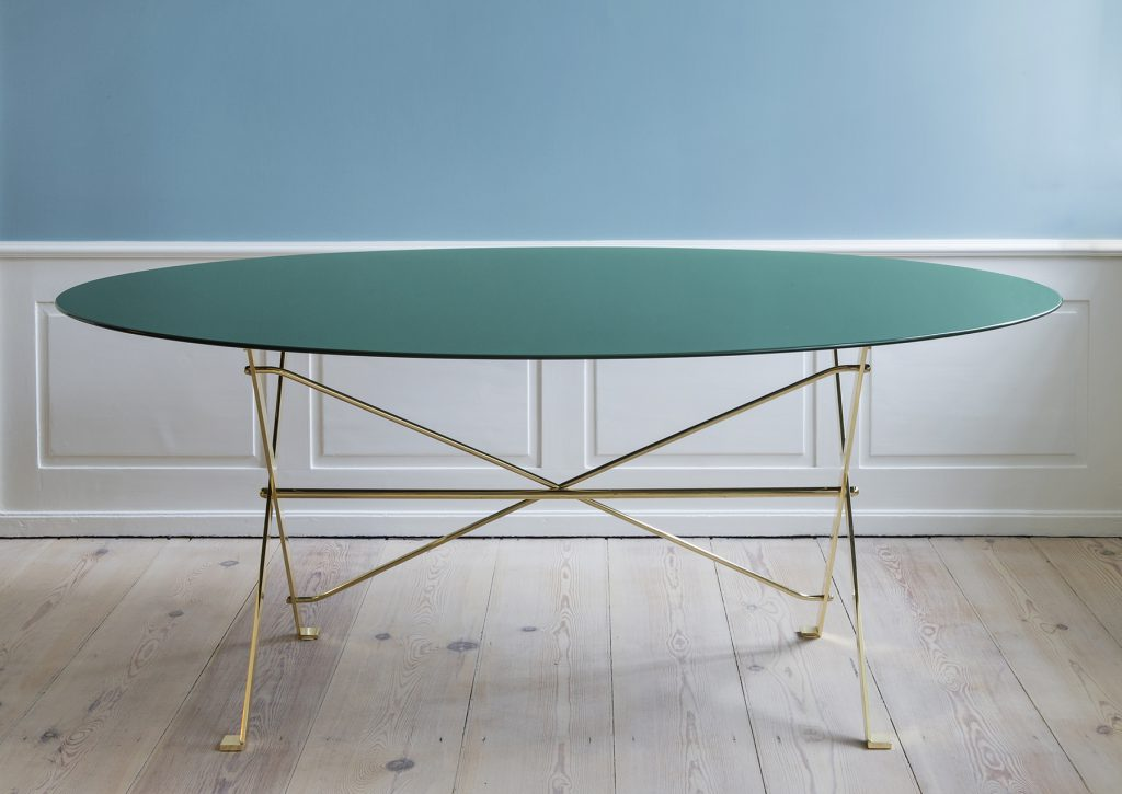 The Cavaletto table from 1948 by Luigi Caccia Dominioni for Azucena. The famous table is now part of the B&B Italia Azucena range.