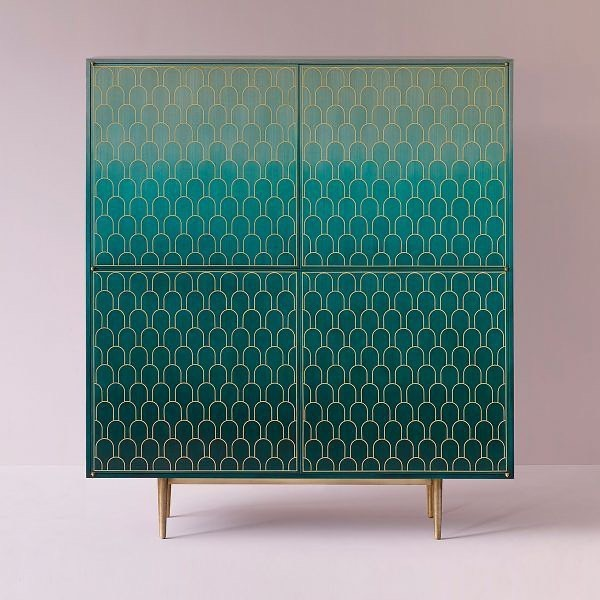 It was great to meet Bethan Gray the Welsh designer behind the cabinets shown. These incredible marquetry pieces were developed with artisans in Oman to ensure the traditional craftsmanship found in this area continues. Shamsian is the name of the jade coloured cabinet which references a motif found in stone walls on the fort at Nizwa. The pattern in the third image references the sails of traditional Omani boats called Dhow. Both these designs use timber veneers cut into the individual shapes, stained a base colour, arranged in the pattern, then overlaid with extremely fine brass. The ombré effect is then achieved by additional staining of the rows with the darkest having the most layers. The last image is of the Capiz shell shelves - reusing discarded Capiz shells instead of veneer and brass to create the pattern but contouring the marquetry technique. You can see more @bethangray Dustributed in Australia by @livingedge Thanks for the afternoon tea and opportunity to meet Bethan @maxandyou