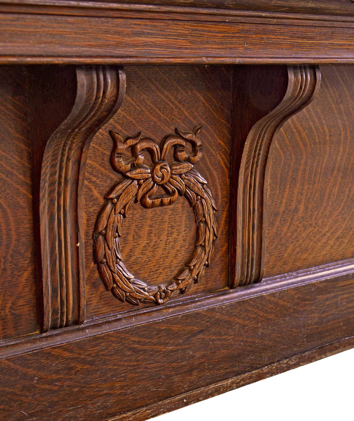 46007-oak-pier-mirror-wreath-detail.jpg