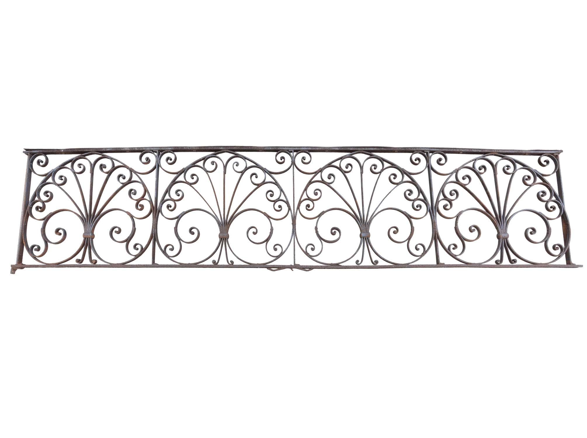 46070-iron-fence-with-decorative-scroll-shell.jpg