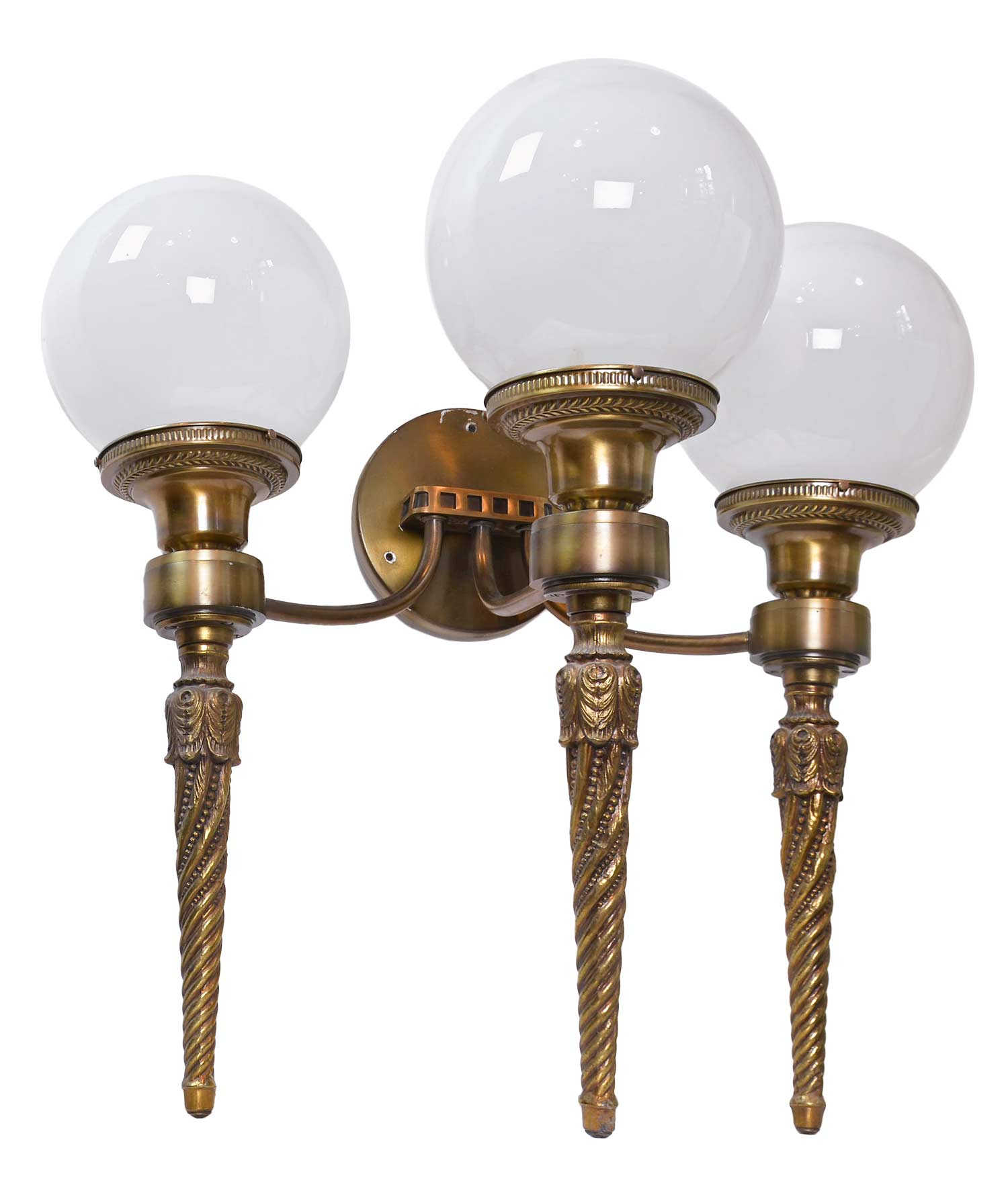 46140-brass-3-arm-sconce-angle.jpg