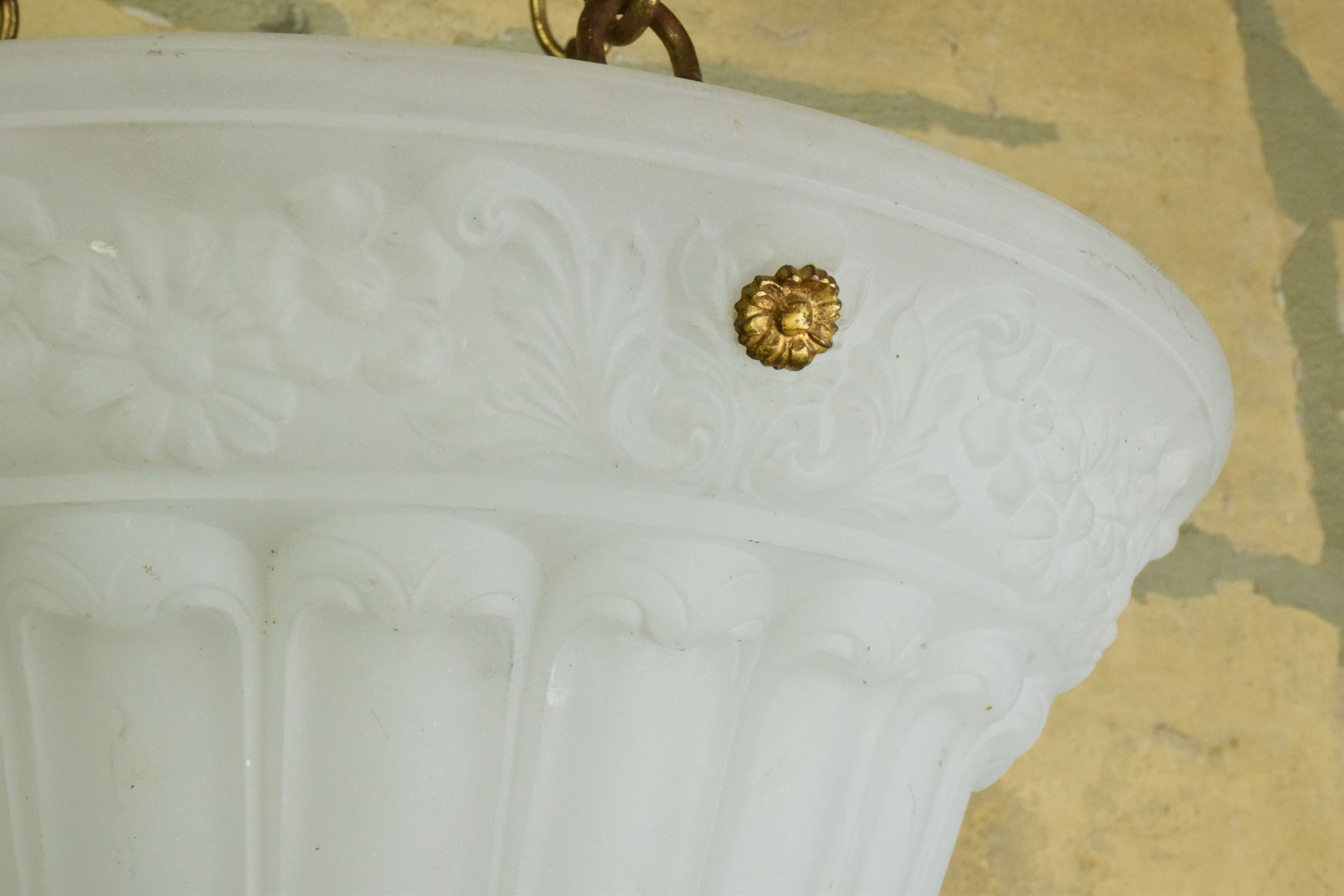 46948-molbed-glass-bowl-with-flowers-detail.jpg