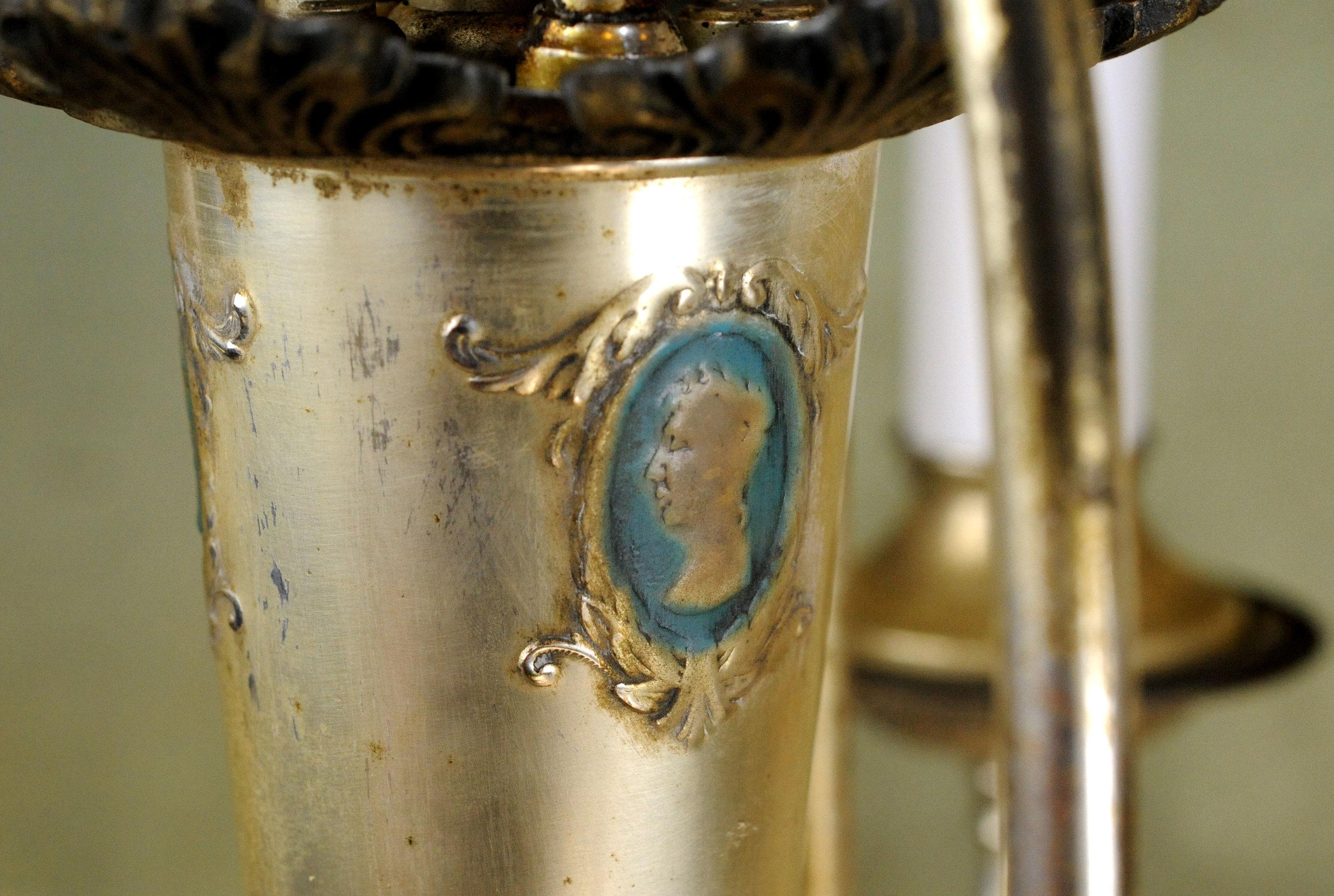 46884-silver-chandelier-cameo.jpg
