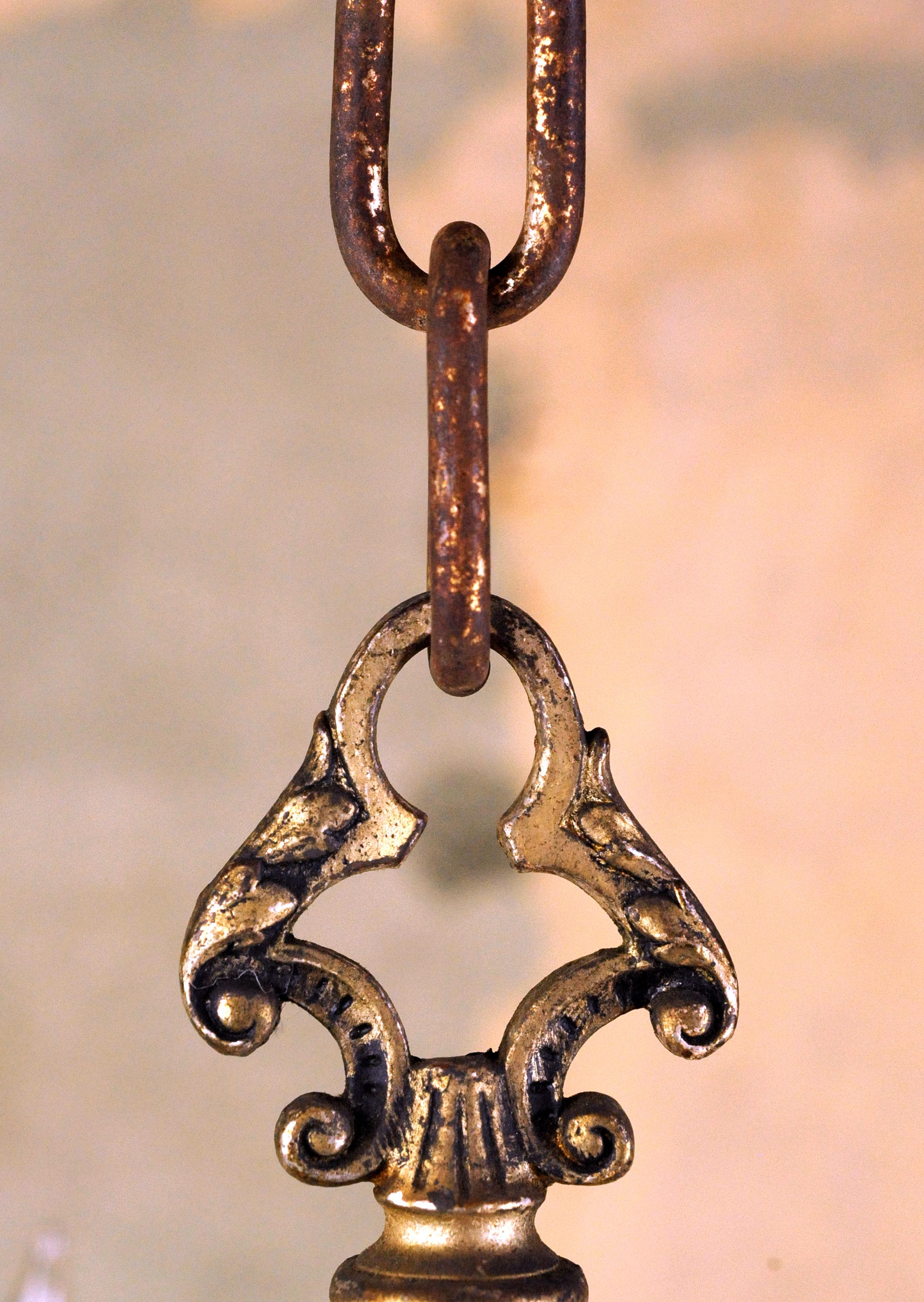 46884-silver-chandelier-chain-detail.jpg