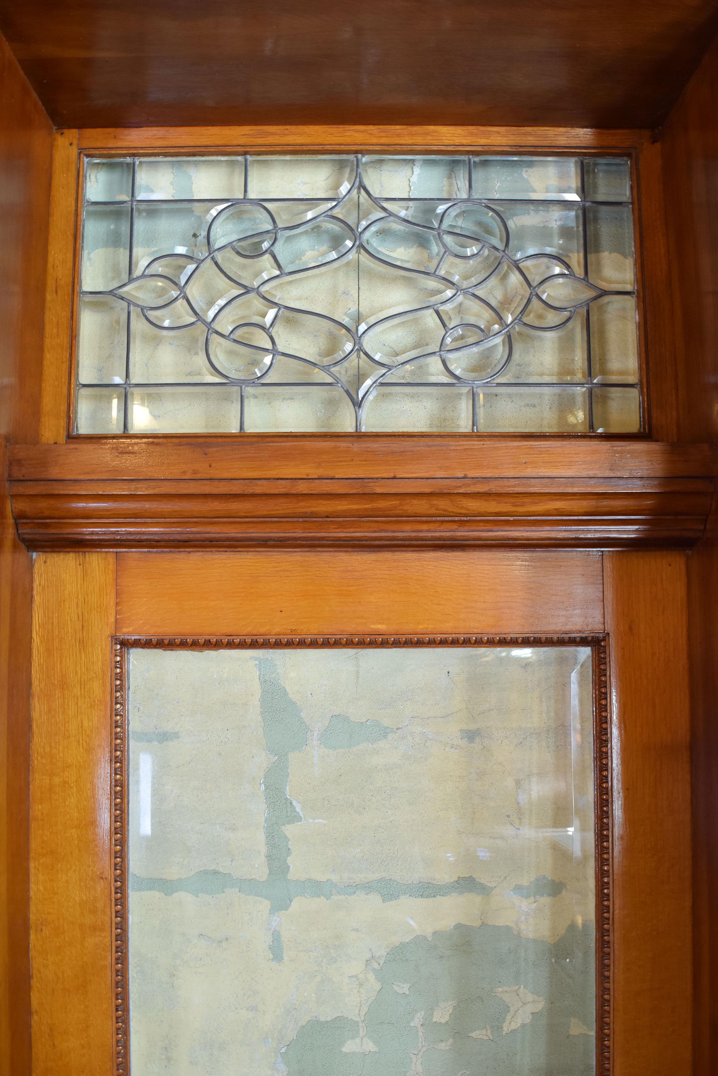 47023-full-view-victorian-ext.-door-window-detail.jpg