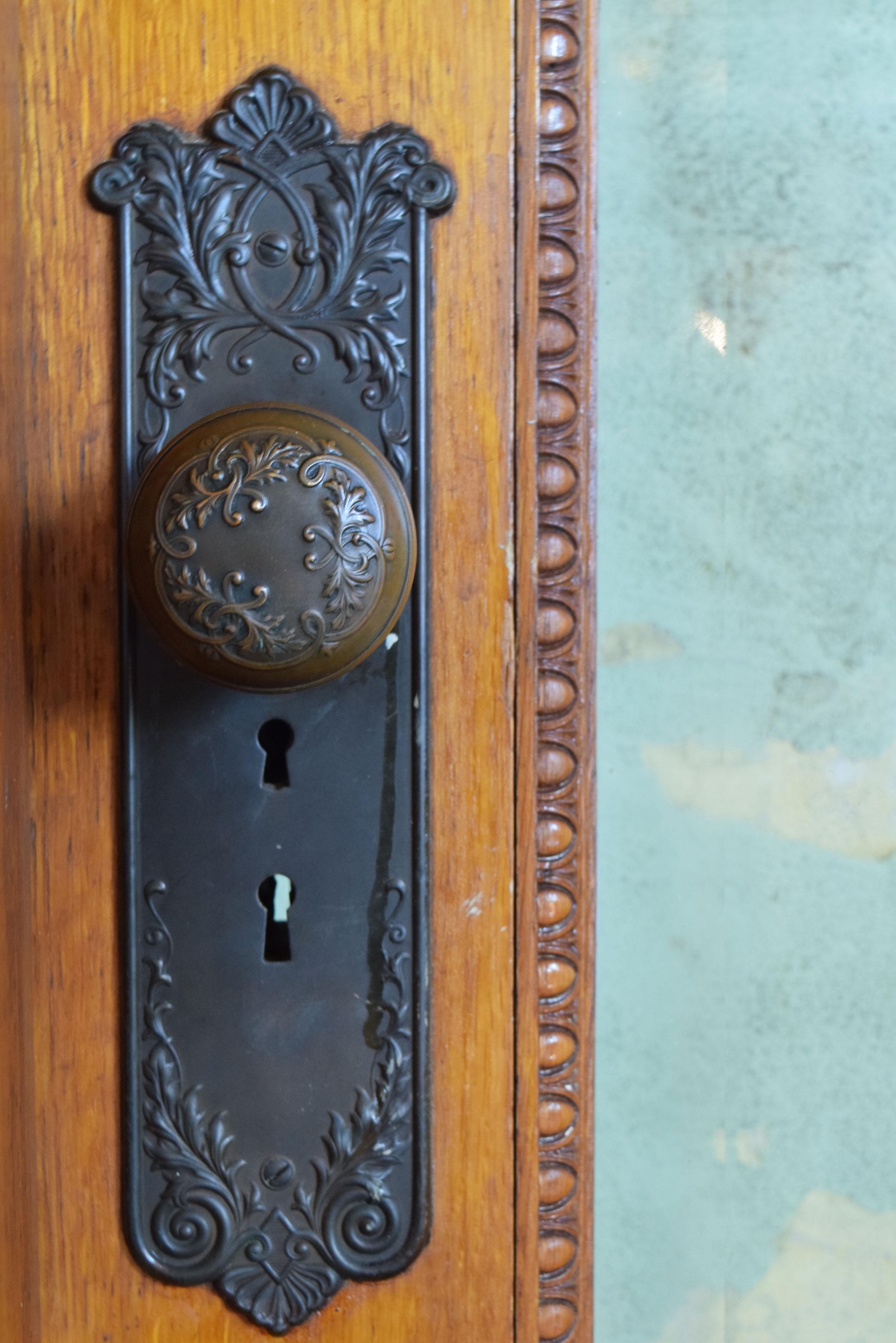 47023-full-view-vicotrian-ext.-door-hardware.jpg