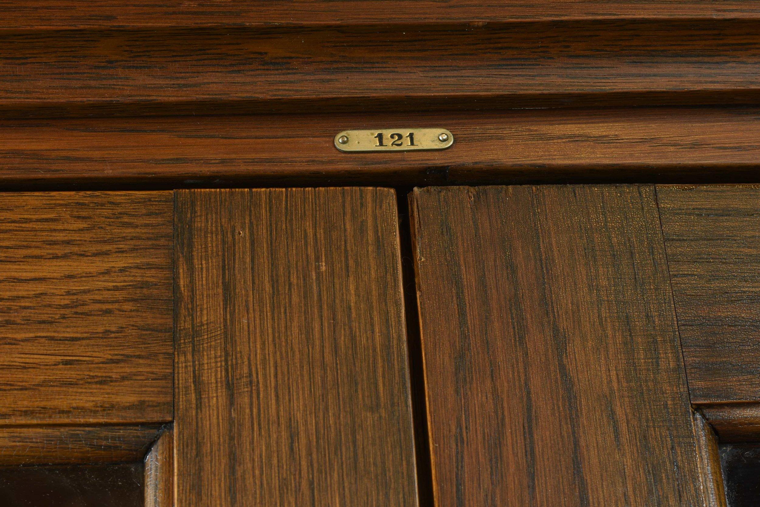 47028 two door school room cab 121.jpg